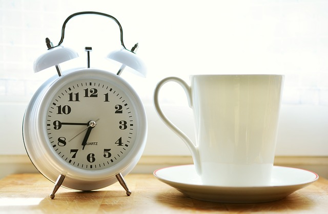 alarm-clock-2116007_640 (2)