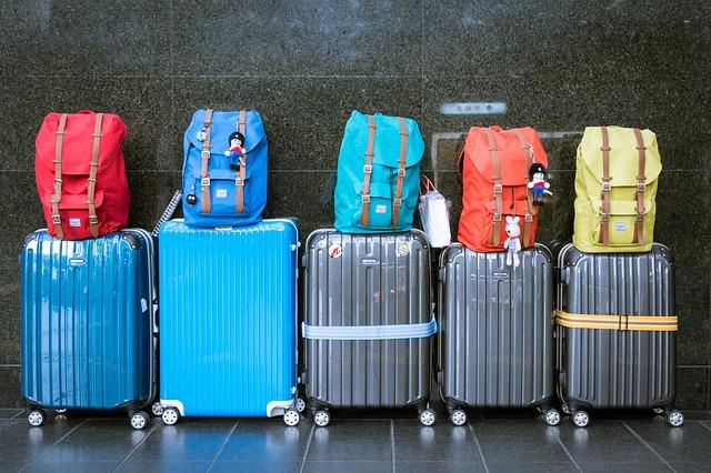 luggage-933487_640 (2)